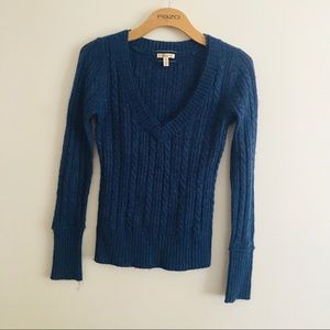Aeropostale size medium cable knit v neck sweater
